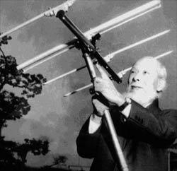 Hidetsugu Yagi sa Yagi-Uda antenom