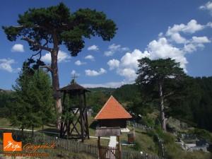 dobroselica-crkva-brvnara