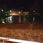 uzice-poplava- preplavljena brana na plaži