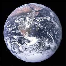Земља фотографисана 7. 12. 1972 на мисији Аполо 17 (НАСА)